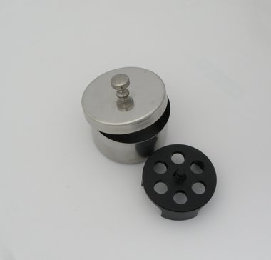 Desinfizierdose / Aufbewahrungsdose für 6 Tonometer-Messkörper, V2A-Edelstahl, ø 65 mm, mit Deckel, made in Germany, Artikelnummer: 000739